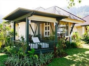 Baan Khao Lak Beach Front Villa