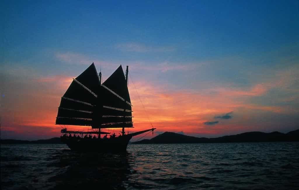 Khao lak Sunset Cruise on June Bahtra - Sunset