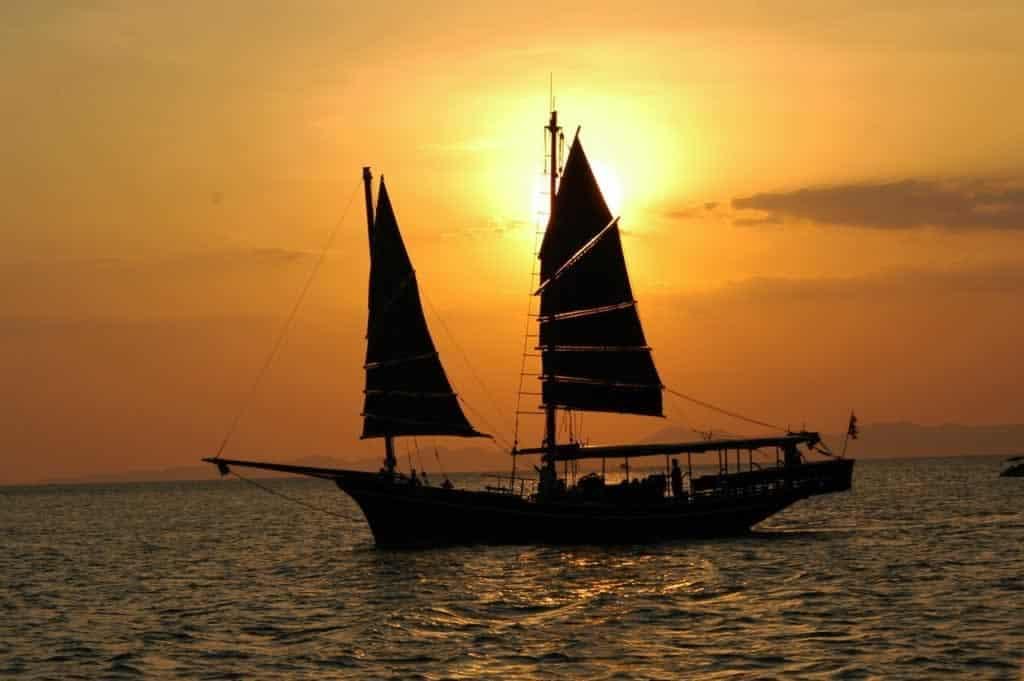 Khao lak Sunset Cruise on June Bahtra - Sunset 3
