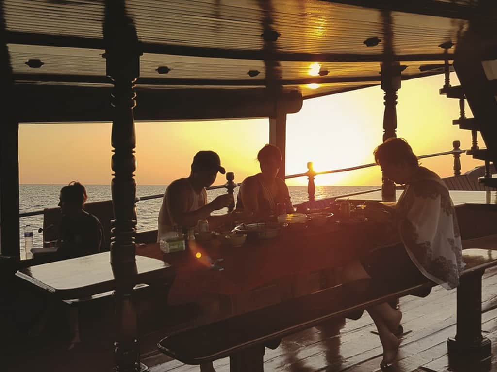 dolphin Sunset cruise khao lak